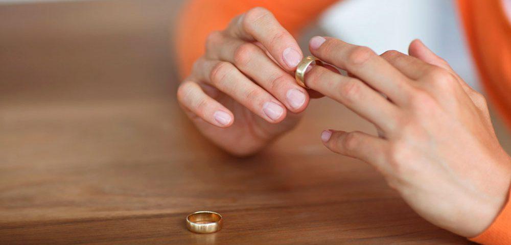 مشاوره تلفنی خیانت و طلاق مرکز مشاوره نوروفیدبک و روانشناسی کرانه خرد ۸۸۵۲۲۴۱۰